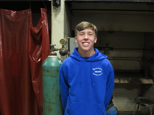 Junior Welder Qualifies for World Champion Dart Competition