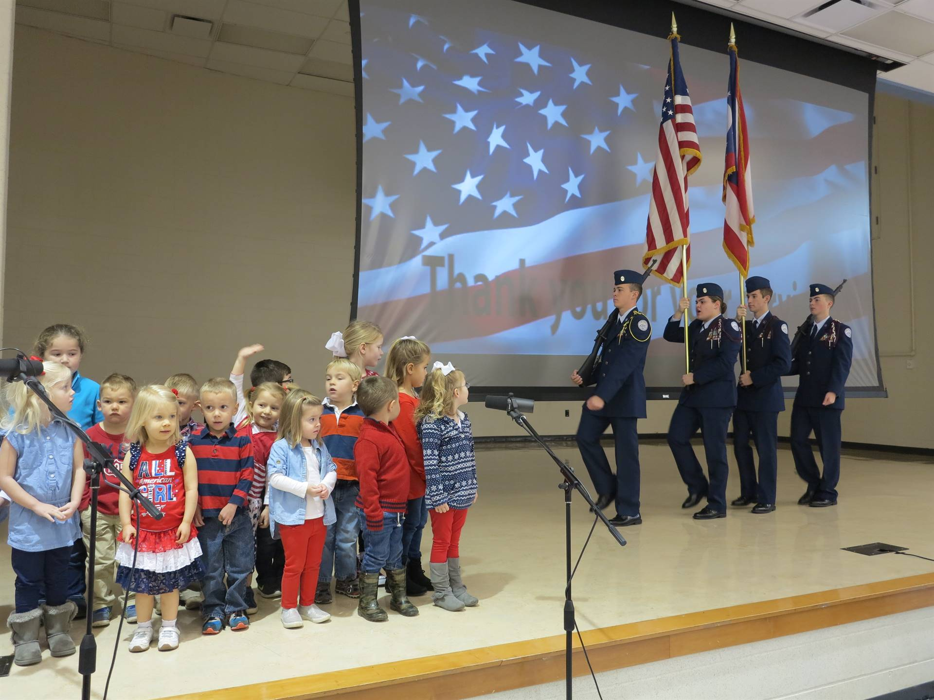 Learning Lab Preschool children sang to the veterans